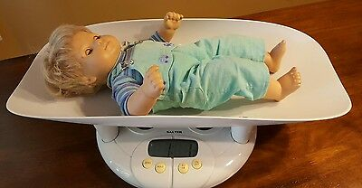 Salter Baby Toddler Bath Scale Model 914 Up to 44 Lbs