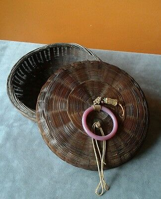 Chinese or asian WICKER basket w/good luck TRINKETS - Vintage - VGUC