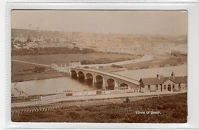 TOWN OF BANFF WITH BRIDGE & RAILWAY STATION: Banffshire postcard (C27089)