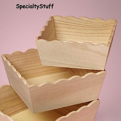 "NEW MEDIUM SIZE SCALLOPED WOODEN TRAY WOOD BASKET 8 x 8 x 3-1/2"" UNFINISHED (MED"