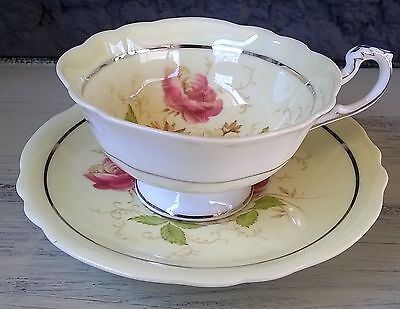 Pale Yellow Paragon Tea Cup & Saucer Set Roses in Wide Bowl