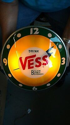 "1950s Vintage Vess Soda Double Bubble ""Billon Bubble Beverage"" Light up Clock"