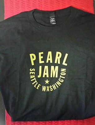 Pearl Jam Men's Medium Black T-Shirt. Seattle Washington. 2014 American Tour
