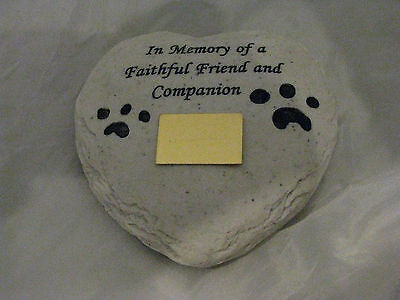 Pet Memorial - Heart Shape with Paws Engraved FREE