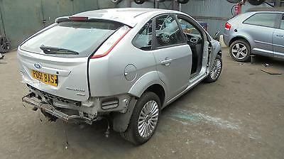 ford focus 2009 silver 03 fuel filler flap (ALSO BREAKING WHOLE CAR)
