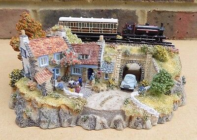 DANBURY MINT Country Lines Collection Sculpture - The Railway Arms