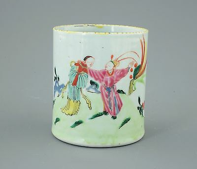A Chinese Famille Verte Porcelain Cylindrical Brushpot, Qing Dynasty, Qianlong