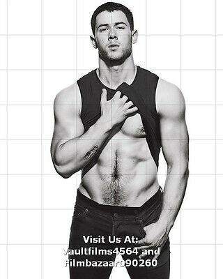 "NICK JONAS - GAY INTEREST - 10"" x 8"" b/w Photo Displaying His Six-Pack  #5085"