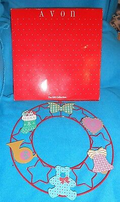 """Avon 10 1/2"""" Signs of Christmas - Magnetic Wreath - Pre-owned with Box"""