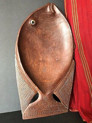 Old Papua New Guinea Trobriand Islands Carved Wooden Fish Bowl …nice collector's