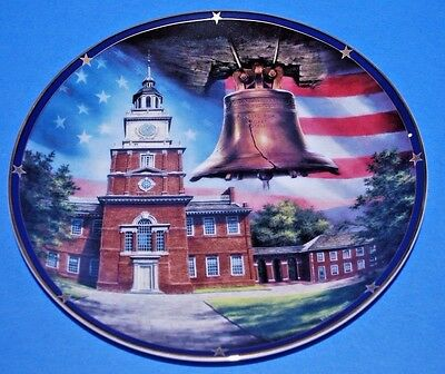 """Danbury Mint Independence Hall by Rudi Reichardt Collector Plate 8"""""""
