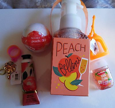 Bath and Body Works Just Peachy  Happy Hands Gift Set