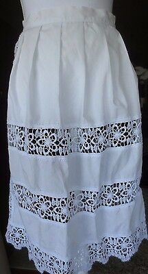 ERNEST LICHT Embossed Lace White apron size M