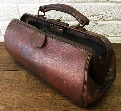 Old Vintage Grained Leather Gladstone/Doctor's Bag *Rustic Storage Solution/Prop