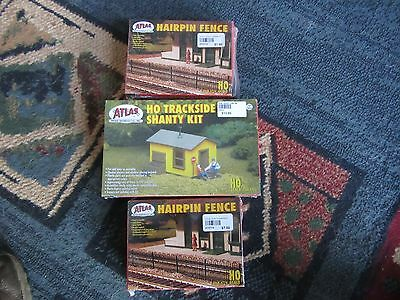Hairpin fence & trackside shanty kit by Atlas HO Scale