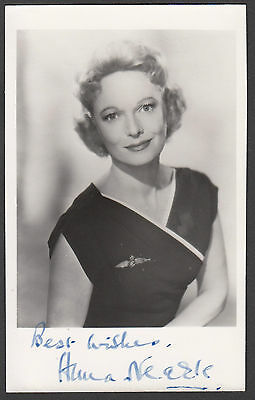 "ANNA NEAGLE - 5.5"" x 3.5"" Portrait Photo PERSONALLY SIGNED with NO DEDICATION"