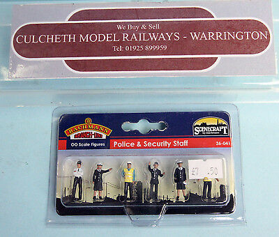 Bachmann Branchline 'oo' Gauge 36-041 'police & Security Staff' Sealed