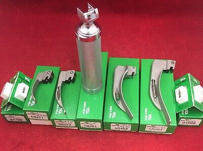 NEW WELCH ALLYN Laryngoscope Set w/Handle, 4 MAC Blades And 4 Extra Bulbs