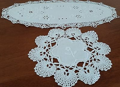 Vintage 1980s 2 x CRISP WHITE Work Embroidered Crochet Edge Shabby Chic Doilies