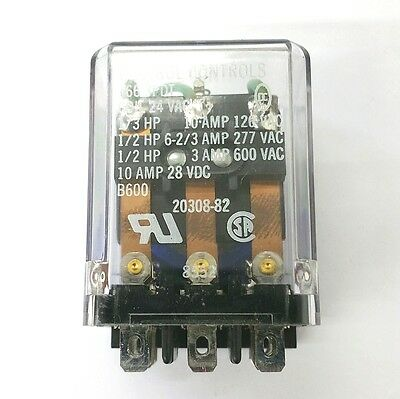 NEW Deltrol 20308-82 (166) 24 Volt AC Coil, 10 Amp* 3PDT 11 Pin Blade Type Relay