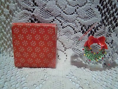 "Paperweight Christmas Wreathe 2 "" x 2 "" plexi-glass Includes Original Box"