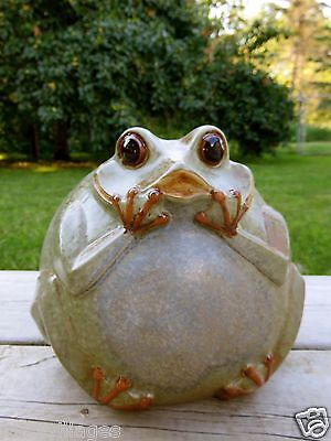 GARDEN FROG ceramic 7 IN. X 6.5 IN. YARD ORNAMENT NEW FIGURINE STATUE happy
