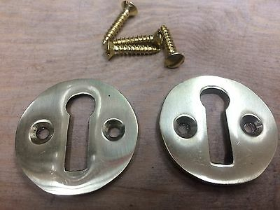 2 SOLID POLISHED BRASS ROUND VICTORIAN  STYLE PLAIN ESCUTCHEON PLATE KEY 33mm