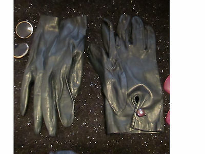 Vintage Women Sz S M Short to Wrist Button SOFT Navy Blue Leather Driving Gloves