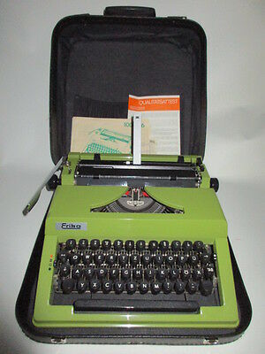 manuel portable Typewriter ROBOTRON ERIKA Model 105 in jadegreen
