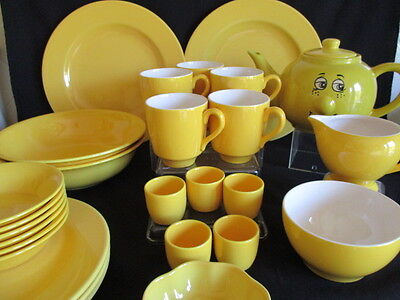 Joblot of Yellow plates, bowls, mugs and more - Add to a set Great condition