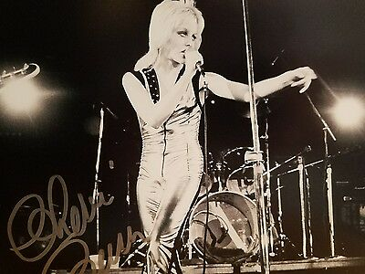 Autographed by Cherie Currie ' SINGER OF THE RUNAWAYS B/w signed in Silver MINT