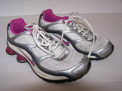 Girls Silver White w Pink trim Nike Shox athletic shoes Sz US 6Y Euro 38 402ab7e7f