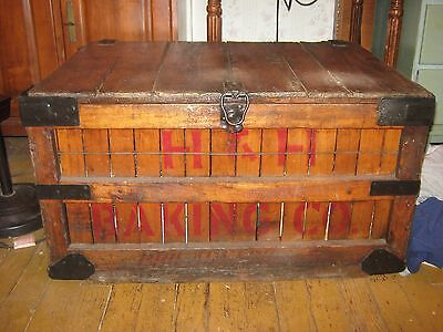 Vintage Horn and Hardart Wooden Shipping Crate - MUST SEE