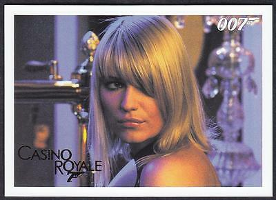 2014 James Bond Archives Casino Royale Gold Parallel Card  No.70 (41/125)