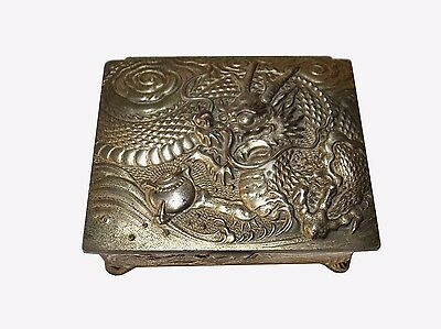 Silvered metal Chinese Export Cigarette box with dragons / Boite cigarette