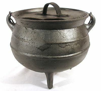 Rare Antique 1 Gal Cast Iron Hanging Ribbed Camp Fire Kettle Cauldron Gypsy Pot