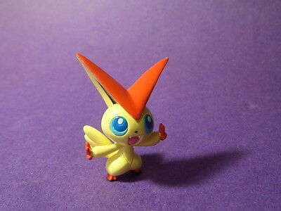 U3 Tomy Pokemon Figure 5th Gen   Victini