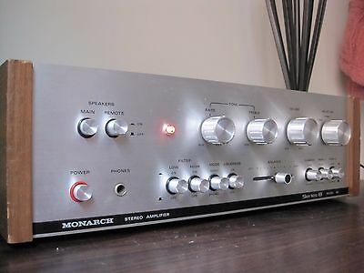 Monarch Solid State Stereo Amplifier. Model: 88