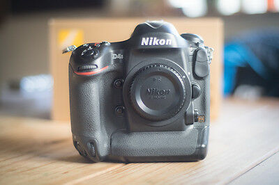 Nikon D4s body in perfect condition with 54070 shutter clicks