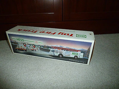 1989 Hess Toy Fire Truck Bank  - New in Box -MINT !!