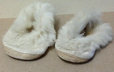 Vintage Mrs. Day's Ideal Baby Shoes Size 4 Off White w/ White Fur 1950's leather