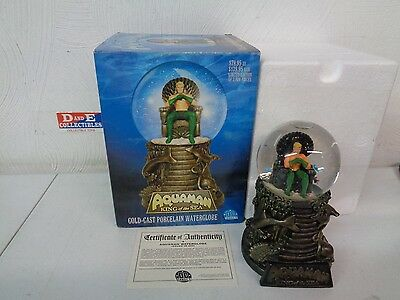 Dc Direct Aquaman King Of The Sea Waterglobe Porcelain Cold Cast Sam Greenwell