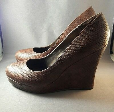 NEW! FERGALICIOUS FERGIE Brown Snakeskin Ultimate Wedge Pump - Women's Sz 10M