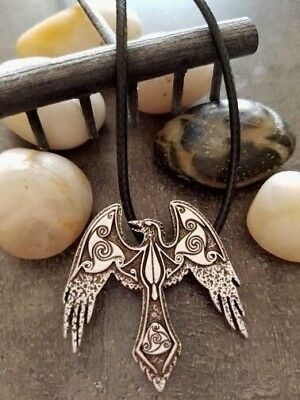 1pcs Triskele Raven Crow Necklace Symbol Norse Vikings Celtic Odin's Charm Lead