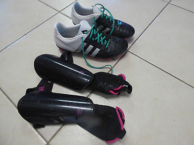 Ladies Soccer Shoe with Shin Pads