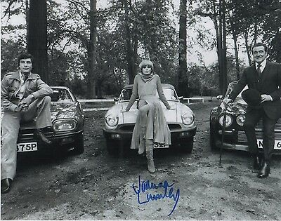 Joanna Lumley  Signed 10-8  Photo Avengers