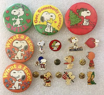 Lot of Vintage Aviva United Features Snoopy Peanuts Ski sports Pins Buttons
