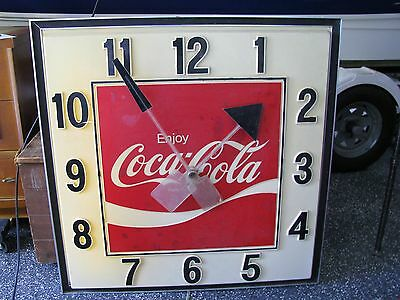 Large Advertising Coca Cola Wall Clock 40x40 LOCA PICK UP ONLY IN MD 21050!