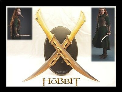 The Hobbit - Twin Fighting Knives Daggers Swords of Tauriel w Wooden Plaque