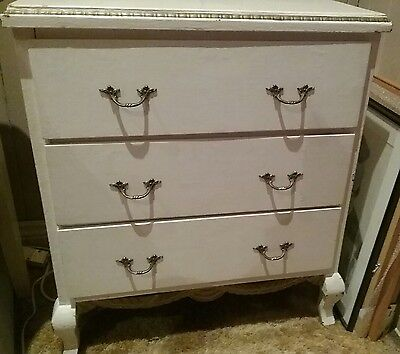 Lovely White Chest of drawers Vintage French Provincial Queen Anne Style